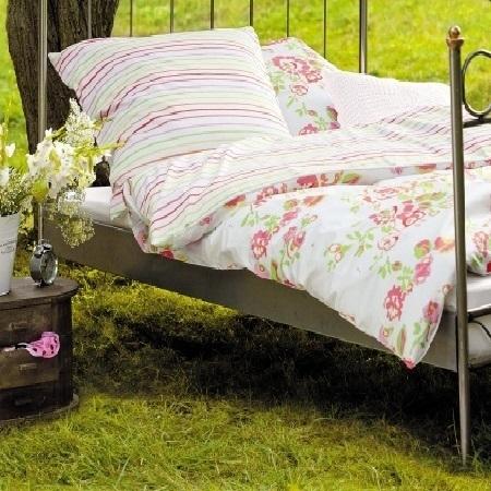 s oliver wendebettwaesche blumen. Black Bedroom Furniture Sets. Home Design Ideas