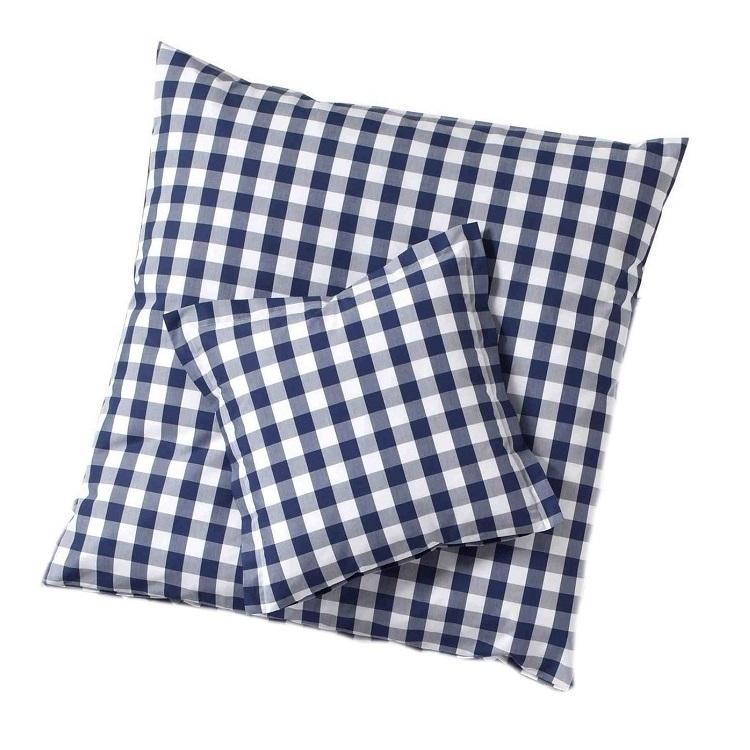 karierte kissenh llen in dunkelblau www wunschbettw. Black Bedroom Furniture Sets. Home Design Ideas