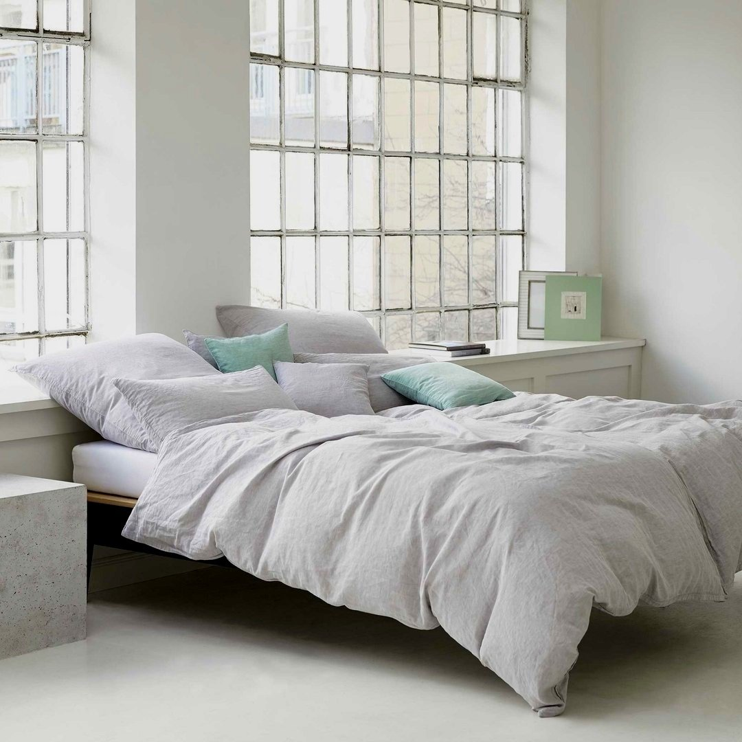 elegante halbleinen bettw sche breeze hellgrau online bestellen. Black Bedroom Furniture Sets. Home Design Ideas