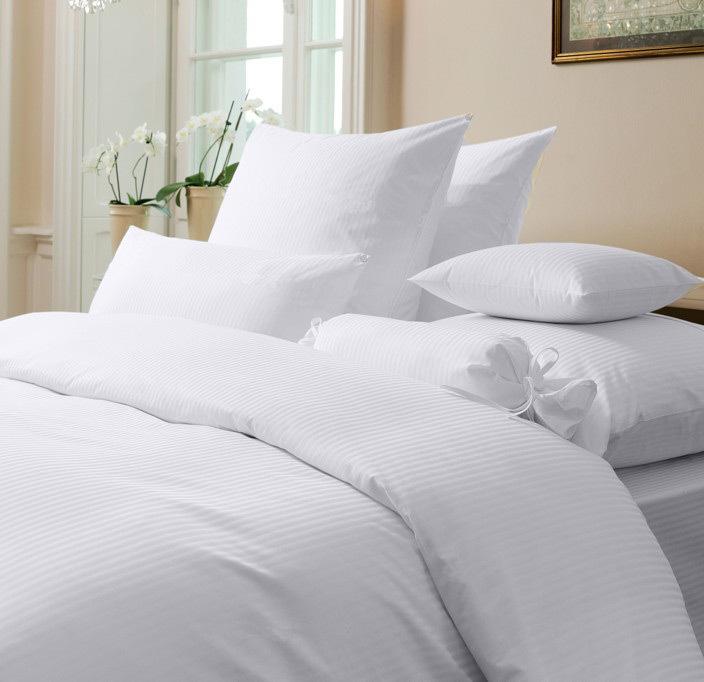 damast bettw sche rubin streifen silber auf wunschbettw sche. Black Bedroom Furniture Sets. Home Design Ideas